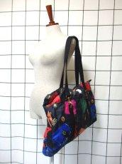画像18: 80's アクセサリー柄 バッグ柄 ブラック カラーリングが素敵 レディース レトロ ヴィンテージ 鞄 バッグ【7549】 (18)