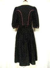 画像3: ピンク小花柄がとびっきり可愛い スカート裾アンティークレースも素敵 黒 ディアンドル チロルワンピース ドイツ民族衣装 舞台 演奏会 フォークダンス オクトーバーフェスト 【1309】 (3)