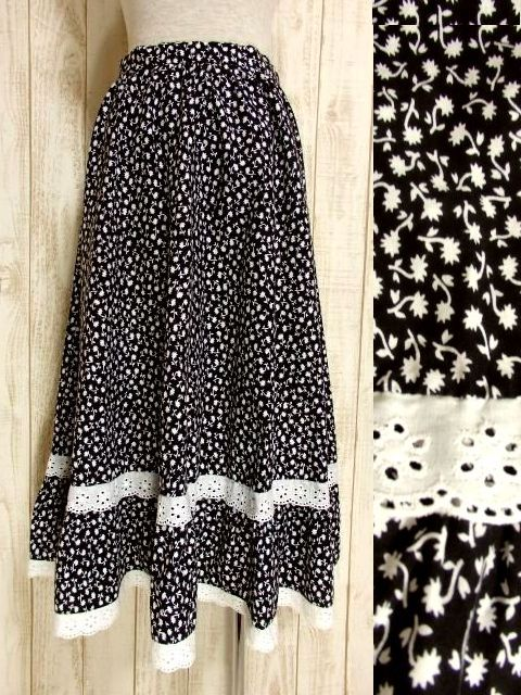 画像1: ☆ ヨーロッパ古着 モノクロ×小花柄♪2段ホワイトコットンレース装飾☆レトロガーリーヴィンテージスカート ☆ (1)