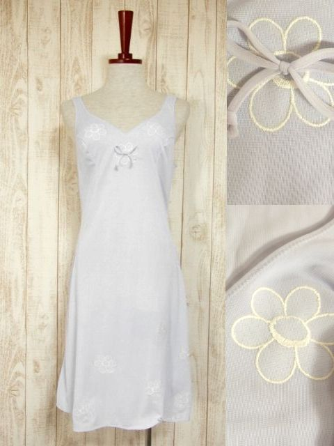 画像1: ヨーロッパ古着 フラワー刺繍×リボン装飾♪重ね着にも便利!!アレンジアイテムにおすすめ ヨーロッパスリップドレスワンピース パープル (1)