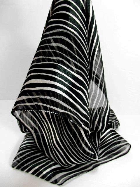 画像1: レトロアンティーク ヴィンテージスカーフ ホワイト ブラック ストライプ【6036】 (1)
