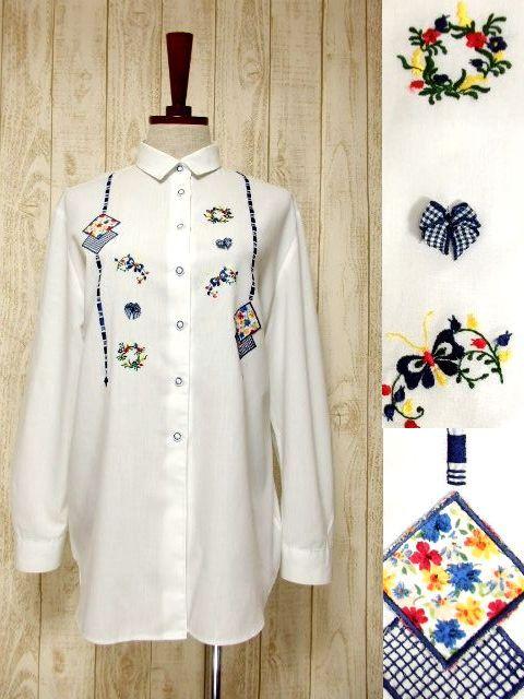 画像1: ドイツ製 バタフライ刺繍  お花刺繍 チェック リボンパッチ カラフル配色 ヨーロッパ古着 ヴィンテージホワイトブラウス【6378】 (1)