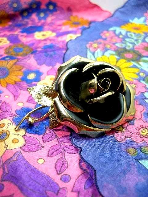 画像1: ☆ レトロアンティーク ブローチ 11 大きな薔薇×黒×ゴールド ☆ (1)